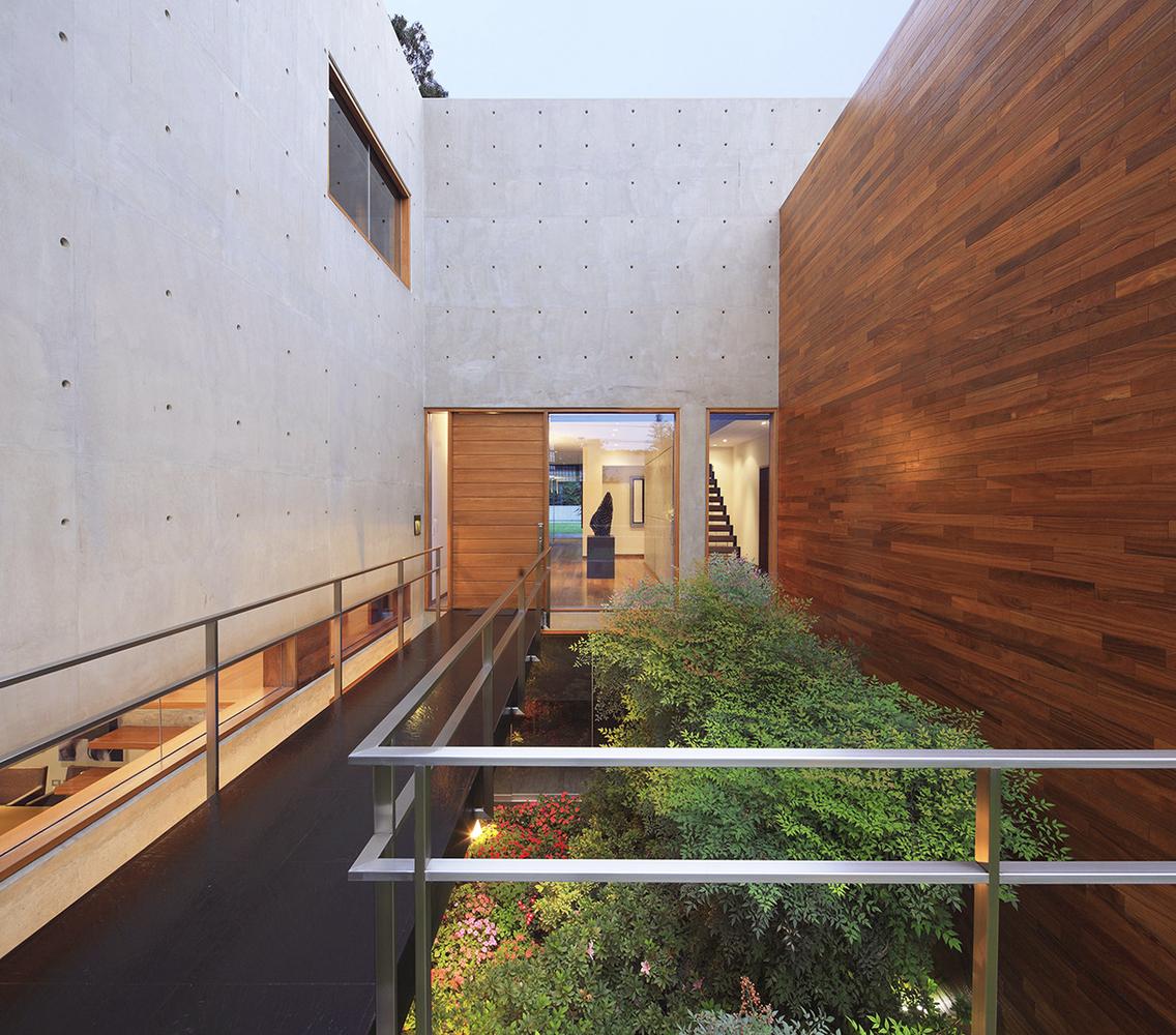 Patios Interiores en casas de Perú: 10 ejemplos en planta