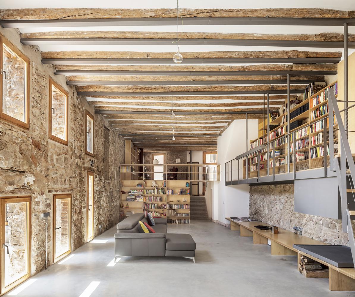 De fábricas a viviendas: Adaptación contemporánea de la arquitectura industrial de España