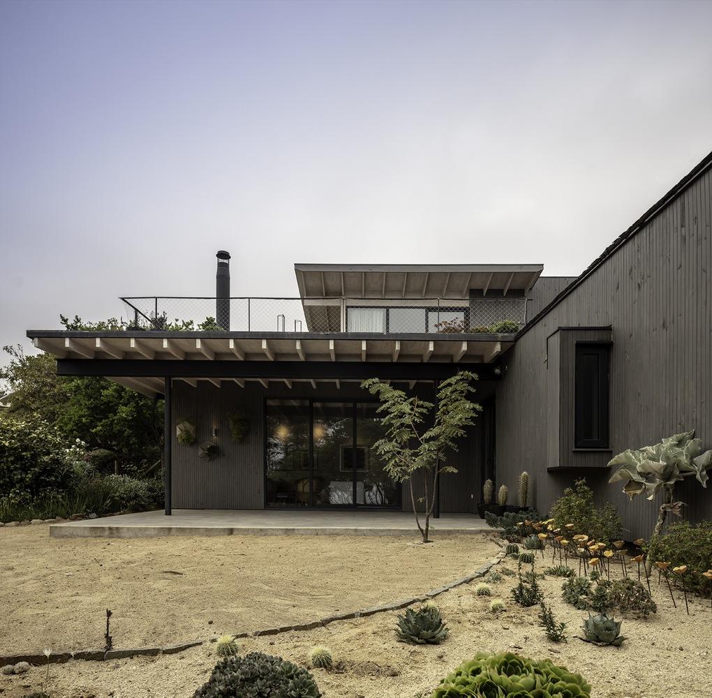 Casa Zapallar / Elton&Deves + Juan Carlos Chamorro Arquitecto